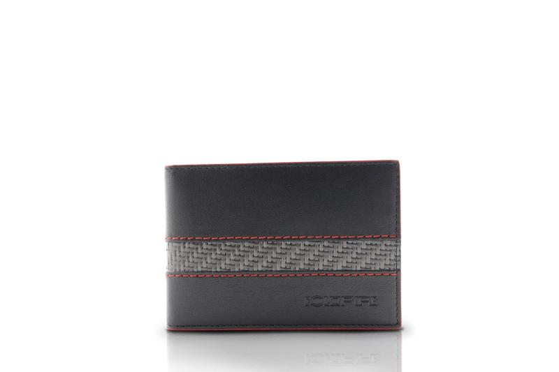 Gift ideas for guys, how to buy a wallet, what to look for in wallets, what makes a wallet good, carbon fiber wallets, men's carbon fiber wallets, men's accessories, men's leather accessories, luxury leather accessories, carbon fiber wallets for men, carbon fiber RFID wallets, RFID accessories, best carbon fiber wallets,