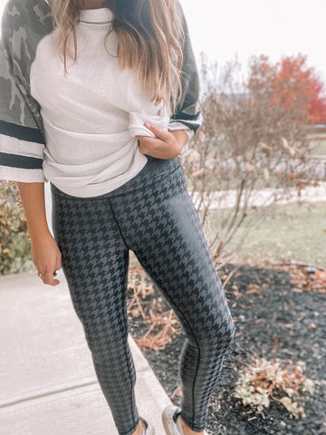 Black Houndstooth Print Foil Leggings