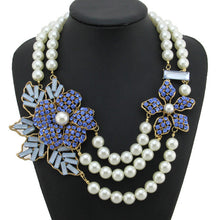 Flower Rhinestone Statement Necklace, 1950s-style - Gray