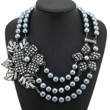 Flower Rhinestone Statement Necklace, 1950s-style - Black