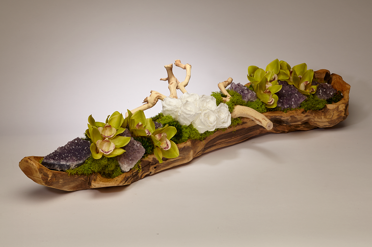 Preserved roses and Amethyst in wood log