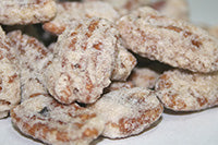 Amaretto Frosted Pecans