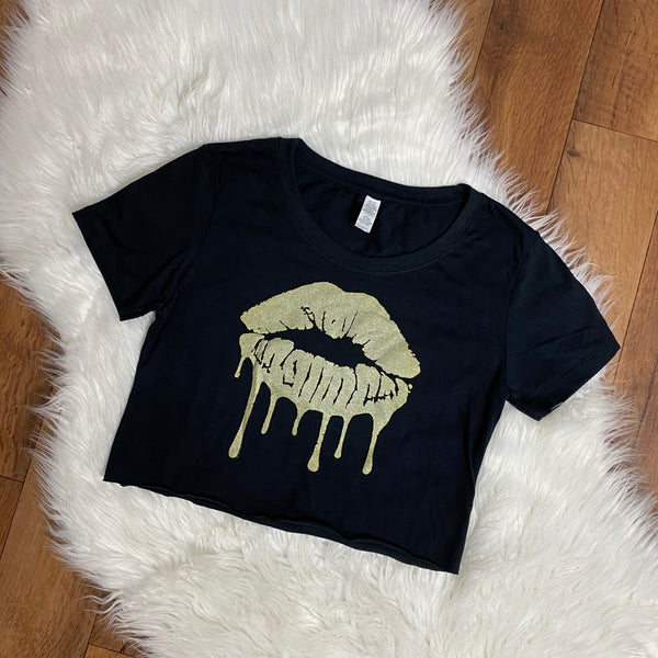 Gold Dripping Lips Cropped T-Shirt - Black