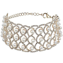Load image into Gallery viewer, Chasing Pearl Choker