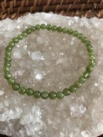 peridot crystal stretch bracelet