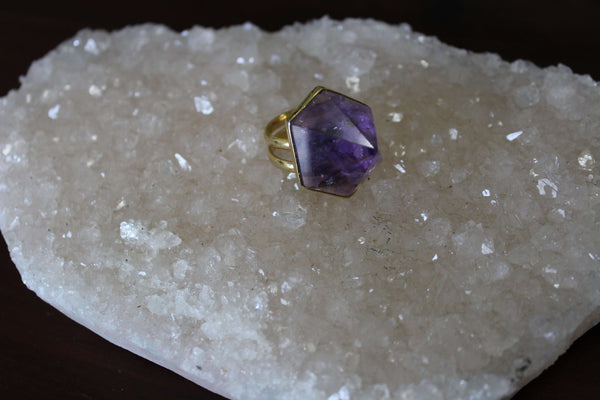 amethyst crystal pyramid ring