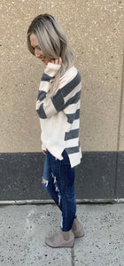 Ivory/Grey Cable Knit Sweater