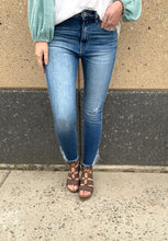 Light Wash Frayed Bottom Ankle Skinny