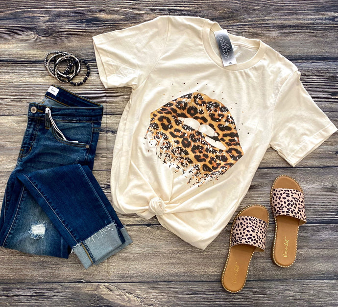 Cream Tshirt with Distressed Leopard Lip Graphic