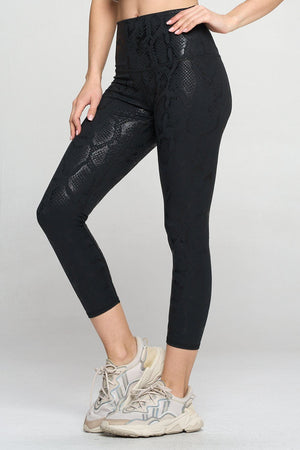Mia - Matte Black Shine Snake 7/8 (High-Waist) Leggings