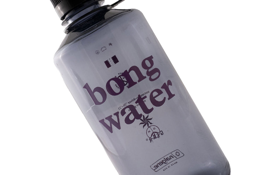 Mister Green Bong Water Nalgene Narrow Mouth Hardshell (Smoke Grey/Black Cap) - August Shop