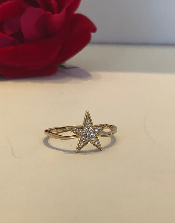 14K Yellow Gold .15 CTW Diamond Star Ring