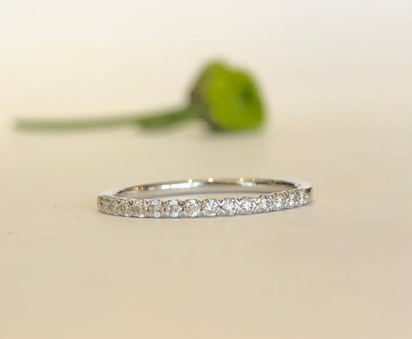 14K White Gold .21 CTW Roman & Jules 15 Round Diamond Band