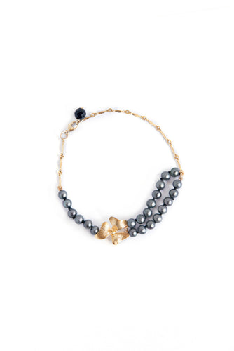 Gray Pearl & Onyx Bracelet with Rich Gold