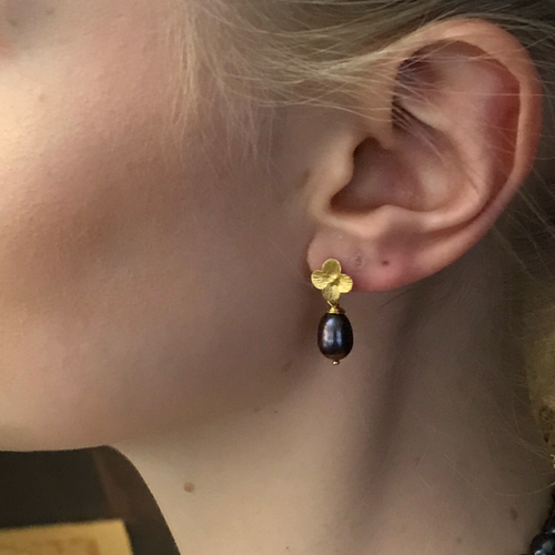 Black Peacock Pearl Earrings and Gold Flowers