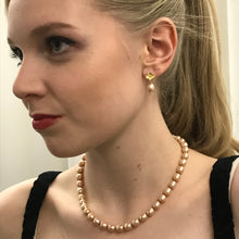 Load image into Gallery viewer, Gold Pearl Earrings & Gold Flowers