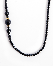 Load image into Gallery viewer, Asymmetric Onyx and Gold Necklace