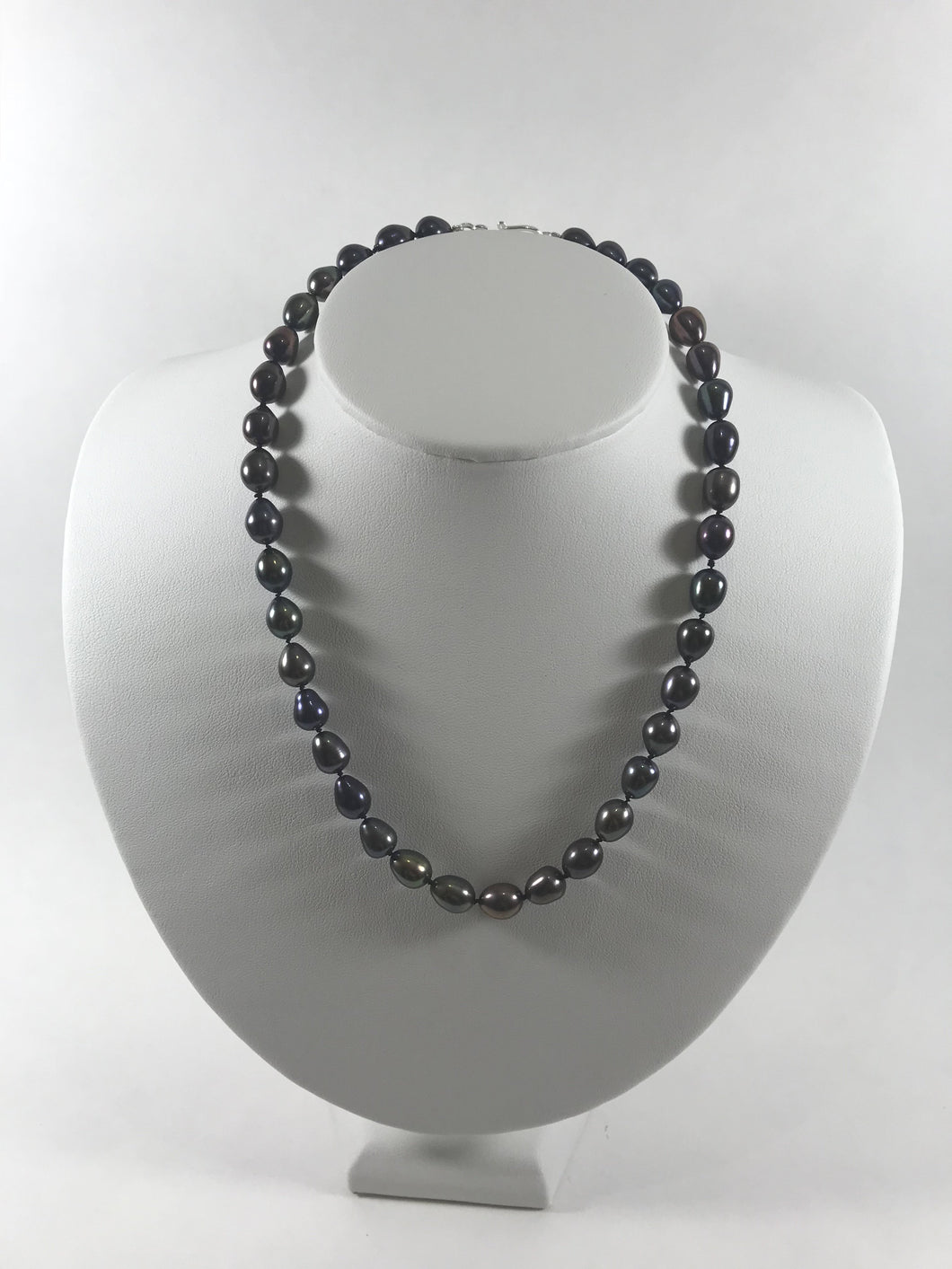 Black Peacock Pearl Knotted Necklace