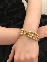 Load image into Gallery viewer, Tripple Gold Pearl Knotted Bracelet & Gold Flower Clasp