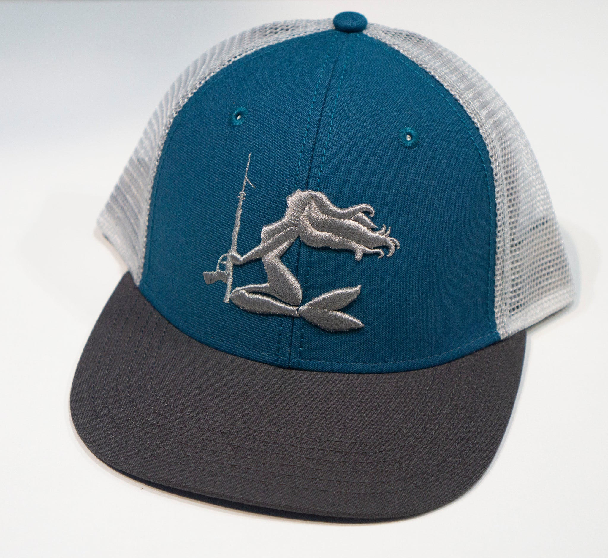 50633a1cca3c5 Spearfishing Mermaid Trucker  Spearfishing Mermaid Trucker ...