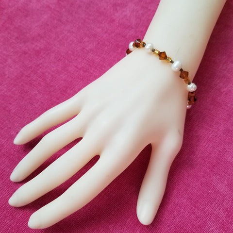 Pearly Gold Glass Bead Bracelet