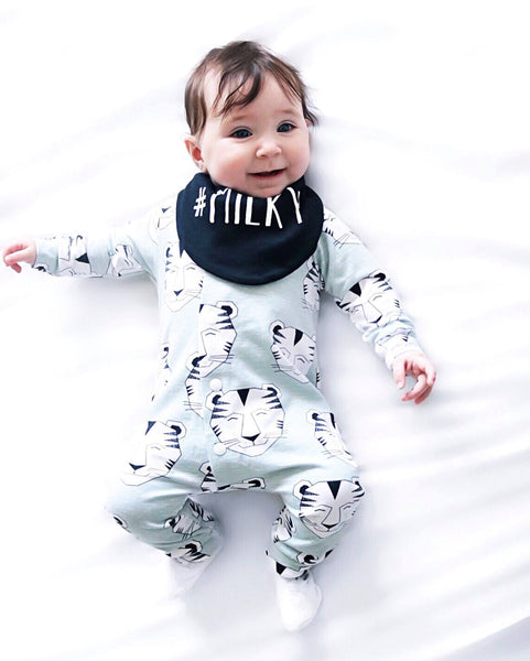 Monochrome Dribble Bib