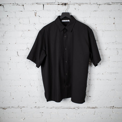 SS BUTTON SHIRT BLACK