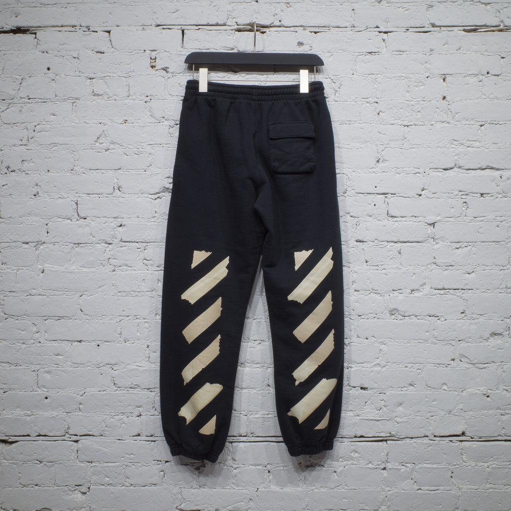 TAPE ARROWS SHORT SWEATPANTS BLACK