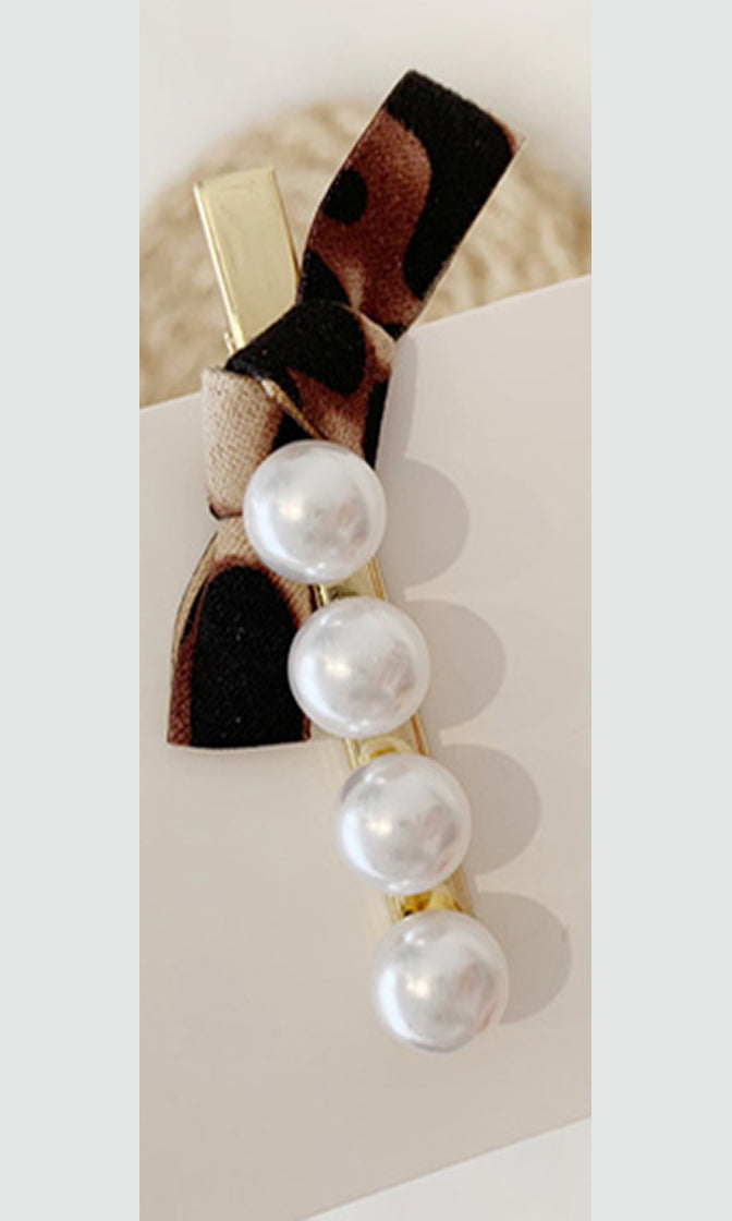 Swept Aside Faux Pearl Ribbon Hair Clip