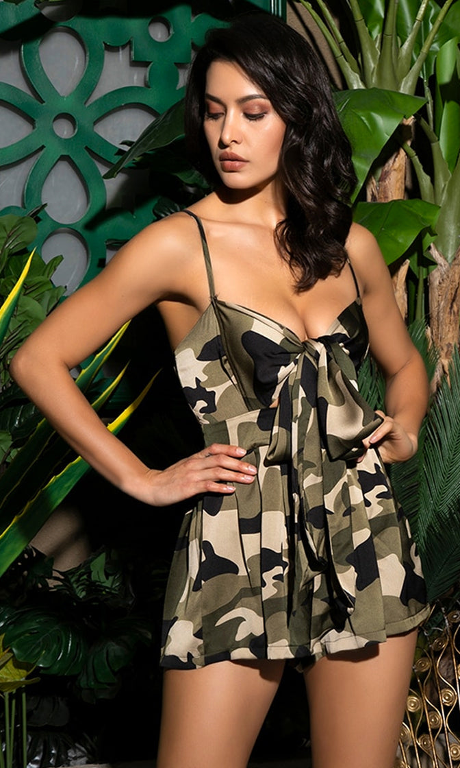 Right On Target Green Camouflage Pattern Sleeveless Spaghetti Strap V Neck Bow One Piece Romper Playsuit