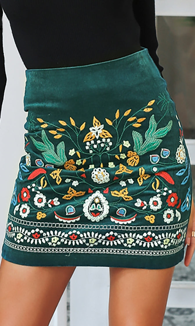 Folk Singer Green Faux Suede Floral Pattern Embroidery Pencil Mini Skirt