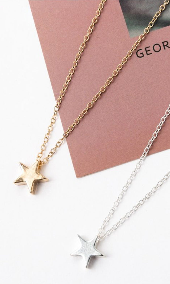 She's A Star Metal Chain Star Pendant Necklace - 2 Colors Available
