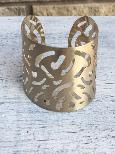 CUT OUT GOLD CUFF