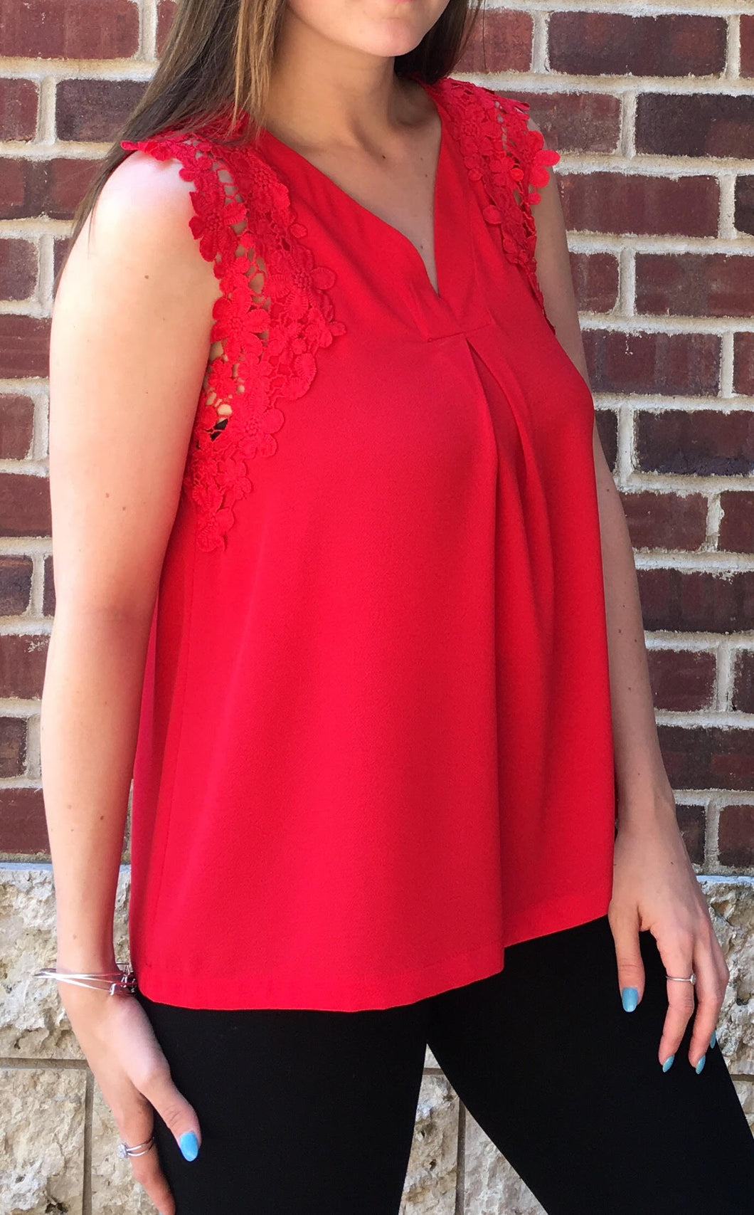 RED LACE SLEEVE TOP