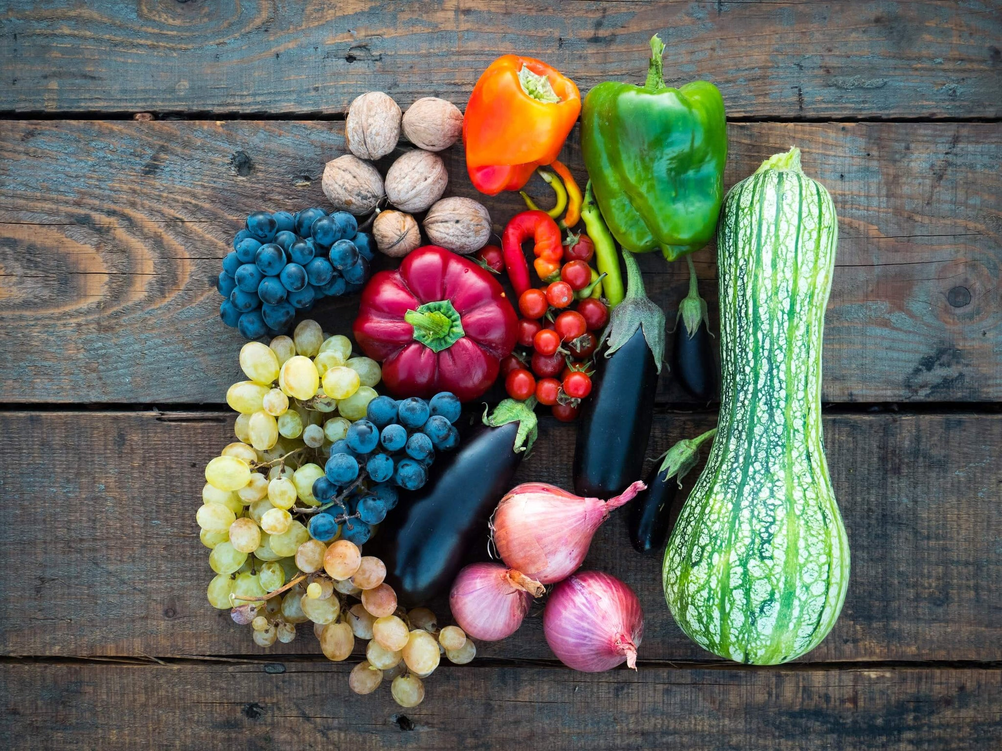 Antioxidant rich fruits and vegetables, sources of vitamins C and A found in SLMD Skincare Retinol Serum