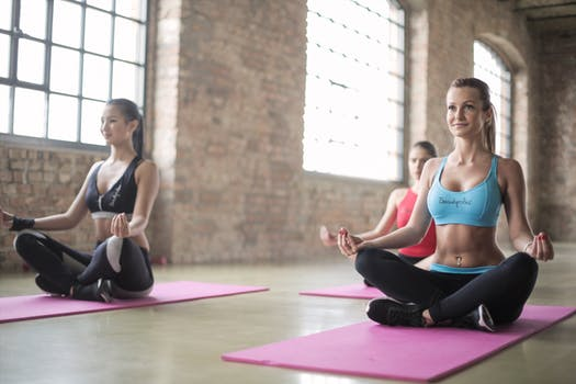 Hath and Vinyasa Yoga: What's the Difference