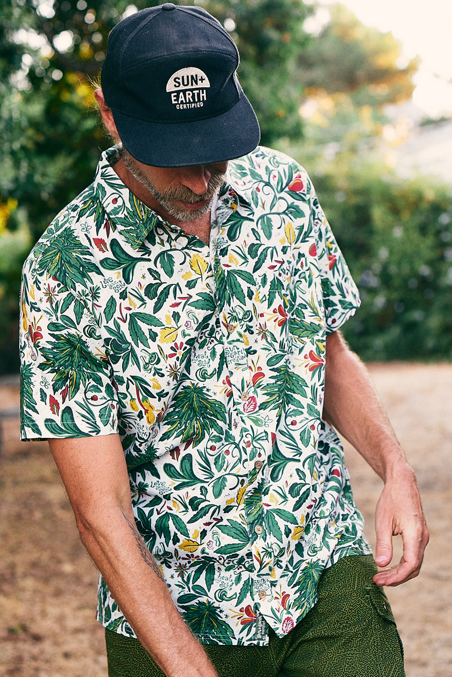 Desert Green x SUN+EARTH - Short Sleeve Man