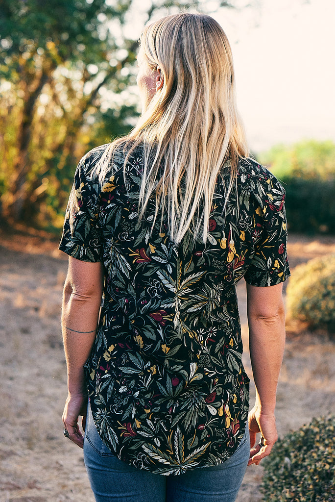 Dark Olive x SUN+EARTH - Short Sleeve Woman