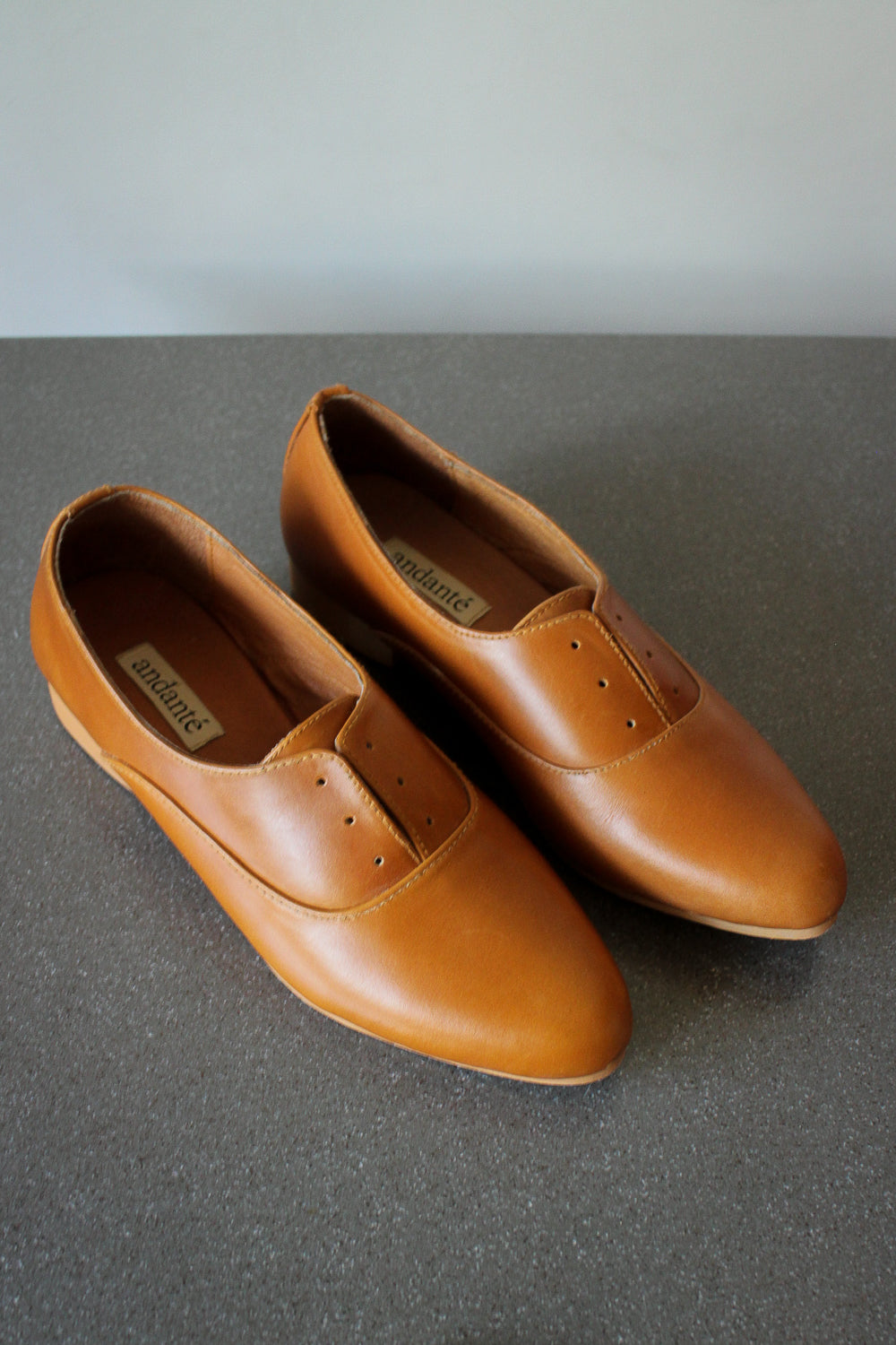 Balmore Oxford in Tan (size 8)