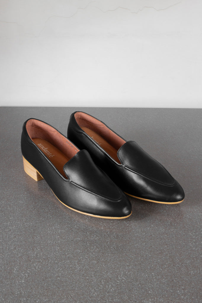 The Modern Loafer in Black