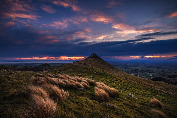 Sunset-Gibraltar-Rock-Christchurch-Port-Hills-Mark-Hannah-Photography