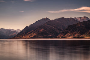 Lake-Hawea-Mountains-Sunset-New-Zealand-Mark-Hannah-Photography