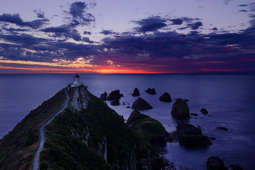 Sunrise-Nuggets-Catlins-New-Zealand-Lighthouse-Mark-Hannah-Photography