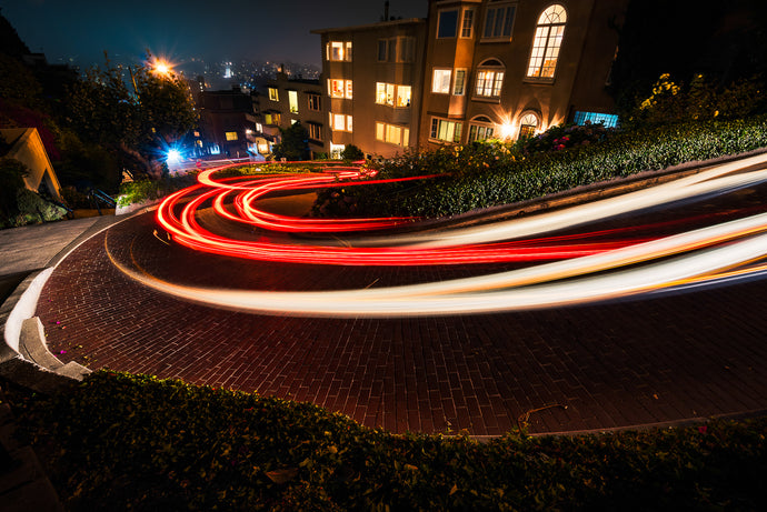 Lombard-Street-Light-Trails-San-Francisco-Night-USA-Mark-Hannah-Photography