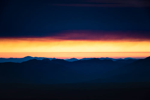 Smoke-Mountains-Sunset-Crater-Rim-National-Park-Oregon-USA-Mark-Hannah-Photography
