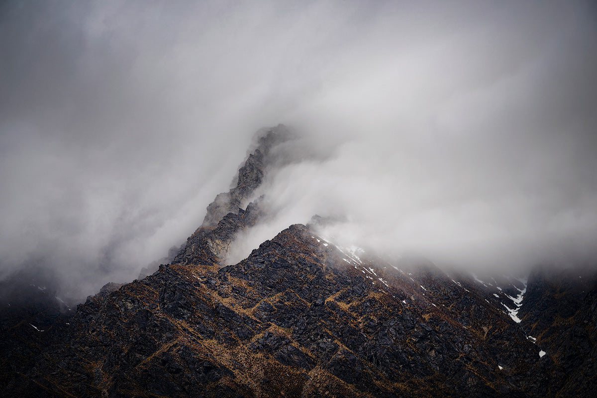 The-Remarkables-Queenstown-New-Zealand-Moody-Clouds-Mountains-Mark-Hannah-Photography
