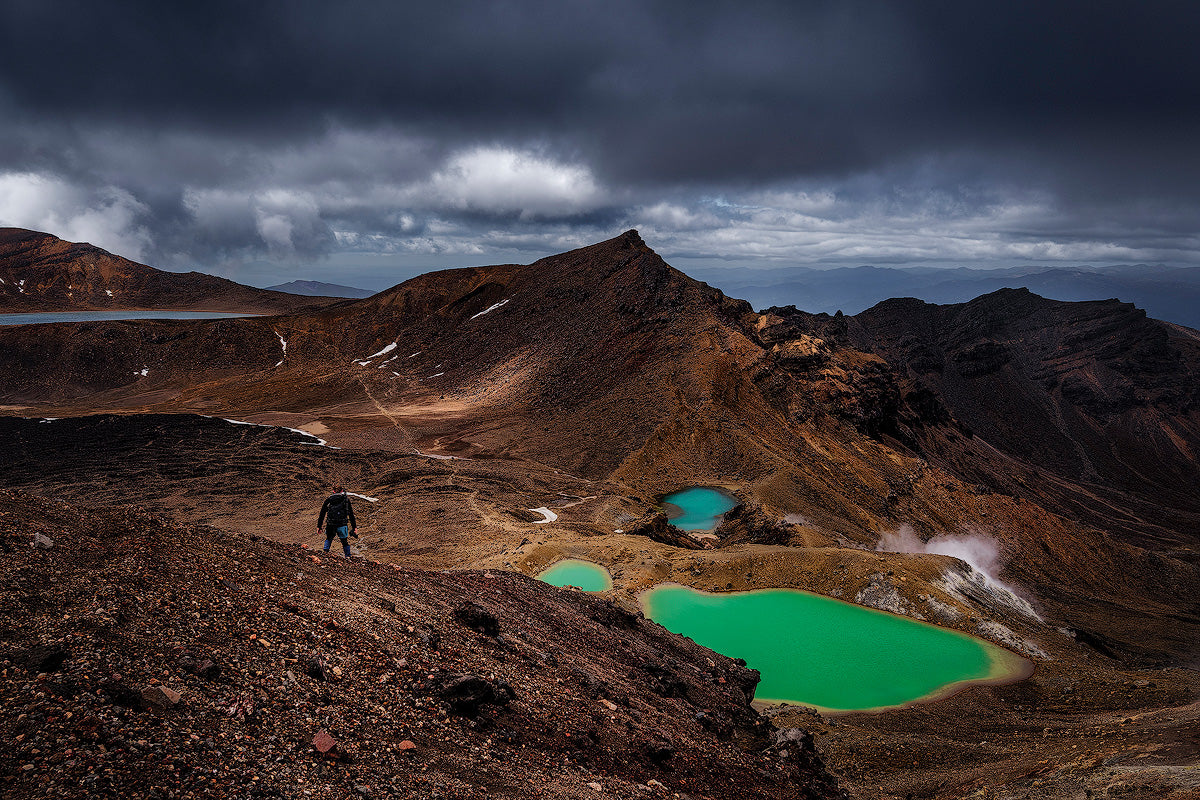 Tongariro-Crossing-Mountains-Track-Great-Walk-New-Zealand-Volcanoes-Emerald-Lakes-Mark-Hannah-Photography