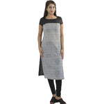 Manurath  Women Solid Straight Kurta  (Black, White)
