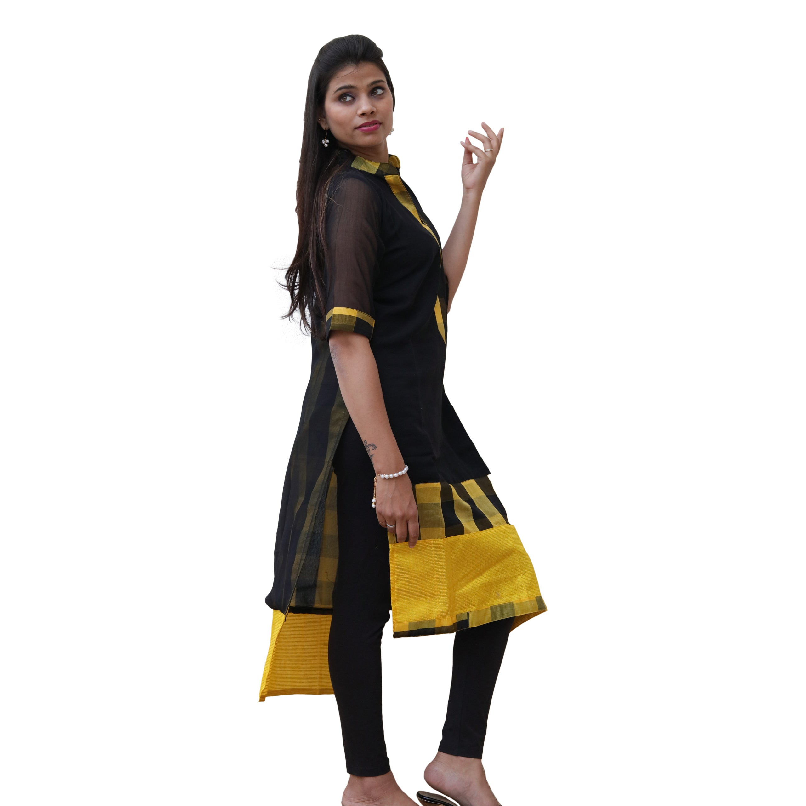 Manurath Women Checkered Straight Kurta  (Black)