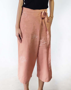 WULUH - Wide Legged Crop Pants